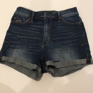 High waisted hollister jean shorts. Size 25